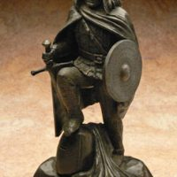 Wallace Bronze :: An example of a bespoke designed and limited edition bronze statue by a well known Scottish Artist depicting William Wallace: Bronzes will be tailored to your own requirements.